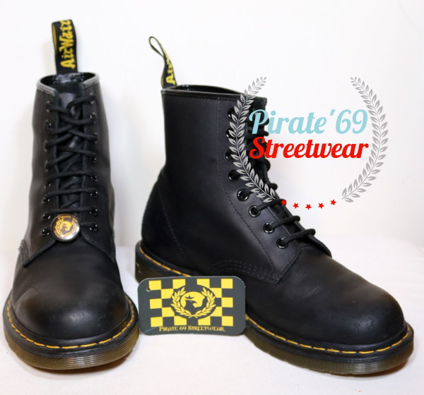 Dr. Martens AW004 Greasy leather Boots
